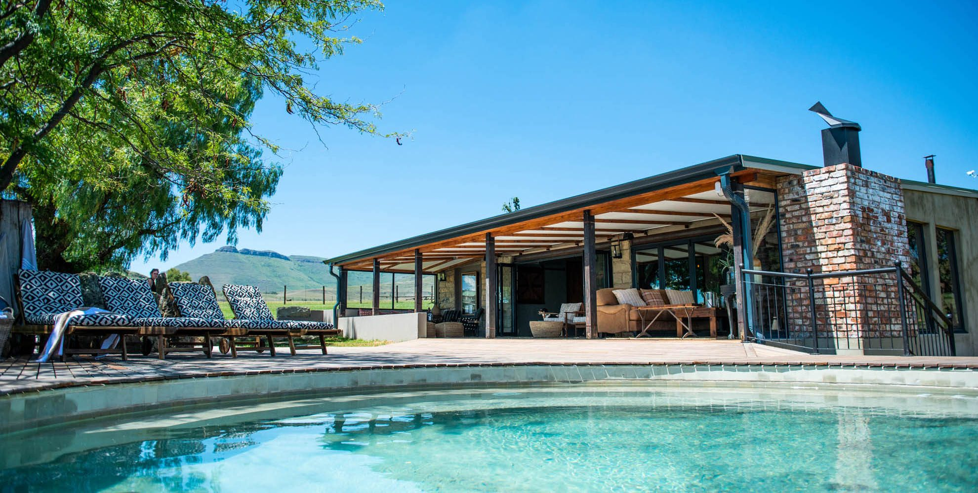 Introducing Bokpoort Mountain Lodge Total privacy, exclusively yours!